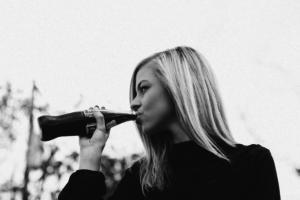 Women drinking soda