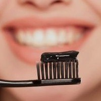 what-is-charcoal-toothpaste-read-before-using